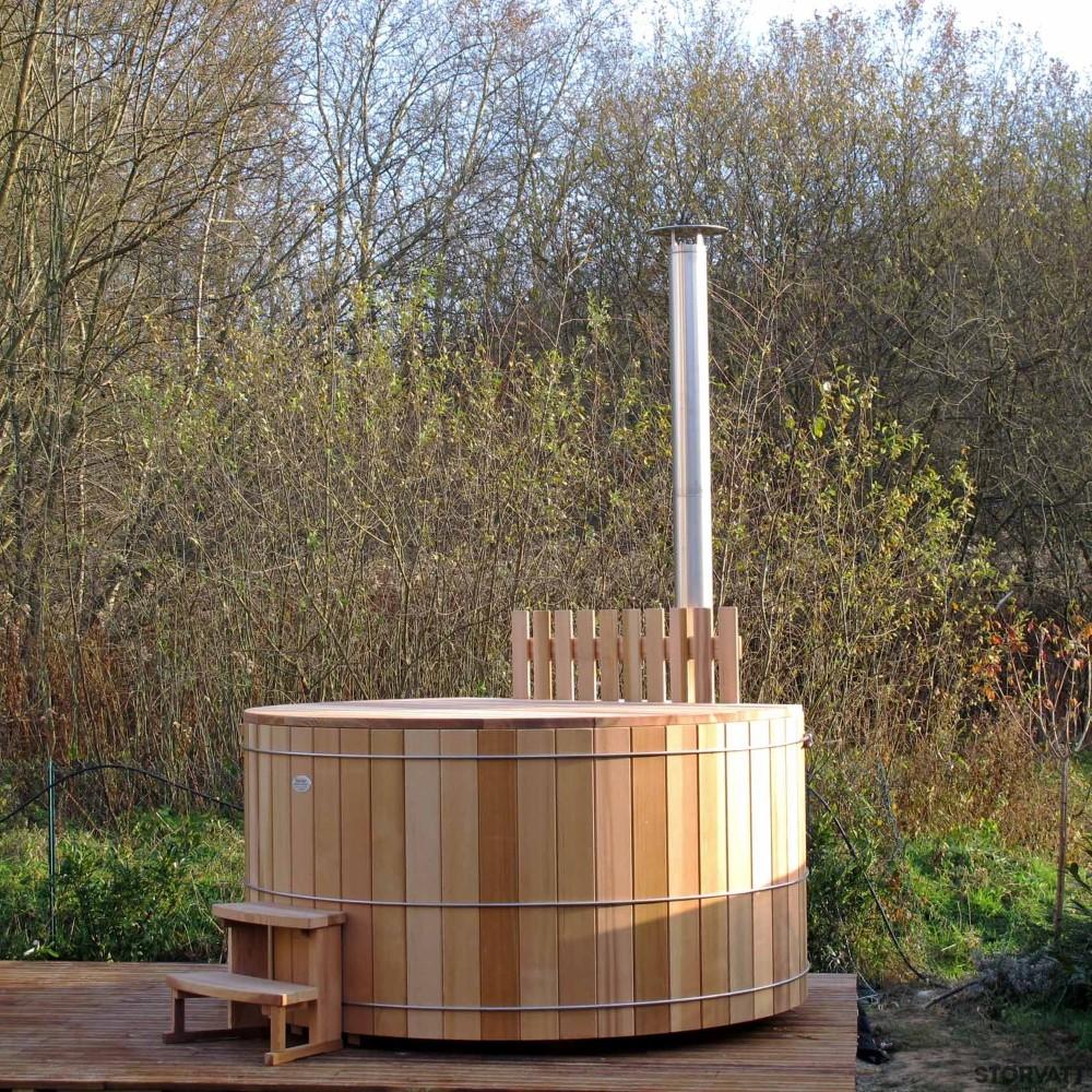 Bains nordiques saint christophe sur le nais bains nordiques coccinelles jardins - Bain nordique chauffage bois ...